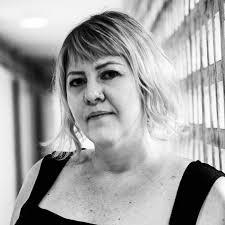 June Müller, autora
