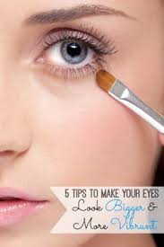 10 tips on how to make small eyes look bigger and attractive