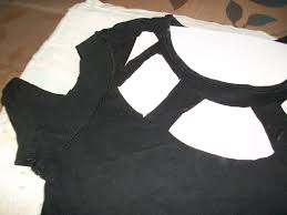 gucci inspired t shirt. how to cut-up a top. gucci inspired cut out t shirt - step