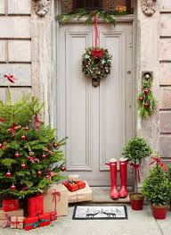 christmas front door decorations13 Dashing Christmas Door Decorations to Impress Your Neighborhood