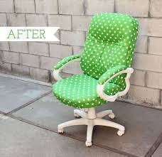 desk chair transformation i love this idea i m sitting on a folding chair b c i ve been searching for the perfect desk chair for years now to search