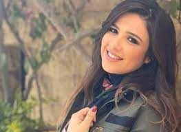 """ياسمين عبد العزيز في """"حالة خطرة"""" وشقيقها يطلب الدعاء لها"""