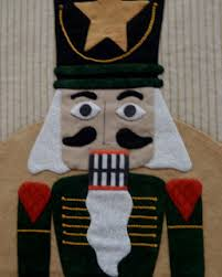 Come Quilt (Sue Garman): Seminars and All Kinds of Quilts & Below are the other nutcrackers. Each is delightful in its own way. Adamdwight.com