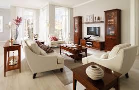 Modern wohnen als wohnidee im heimischen wohnzimmer spricht jene an, die es puristisch und übersichtlich mögen. Antike Mobel In Die Moderne Einrichtung Integrieren Ideen Und Tipps Wohnzimmer Einzimmerwohnung Wohnzimmer Modern Wohnzimmer Einrichten Moderne Einrichtung