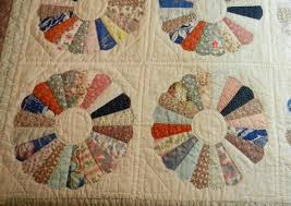 Zen Cat Art : Quilt Repair - Dresden Plate & The pattern is called Dresden Plate. It was one of the most popular quilt  patterns in the 1920's and 1930's. Adamdwight.com