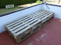 using pallets for furniture. Use Pallets To Create A Modern And Chic Patio Daybed - Why Buy Expensive Outdoor Furniture Using For