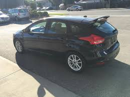 2015 ford focus black. blacktuxedo black metallic 2015 ford focus se left rear corner photo in kelowna h
