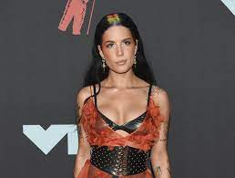Review: Halsey (Nine Inch) nails a ...