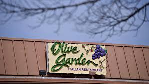 darden s earnings disappoint as olive garden s keep falling