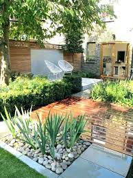small backyard landscaping without