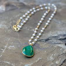 emerald and pearl pendant necklace