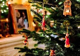 Christmas Living Room Decorating Ideas Classy People Who Put Up Christmas Decorations Early Are Happier Experts