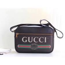 gucci print shoulder bag with vintage logo in black leather 33 5x22 5x9