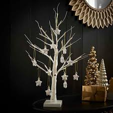 Creative Alternatives to Traditional Christmas Trees