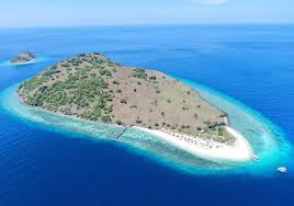 Very small islands such as emergent land features on atolls can be called islets, skerries, cays or keys. Le Pirate Island Labuan Bajo Updated 2021 Prices