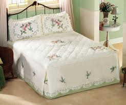 Modern Bedroom Comforters Bedroom Christmas Bed Comforters And Bedspreads With Glass