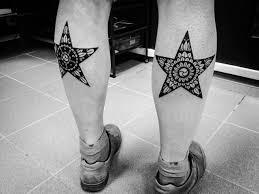 звезды с узорами внутри на ногах фото татуировок