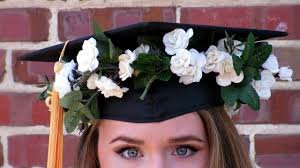 Decorating With Hats Youll Love These Graduation Cap Diys Designs Ocm Blog