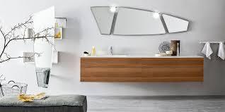 Rivestimenti Bagno Verde Acqua : Come cambiano i bagni vasche docce lavandini e rivestimenti le
