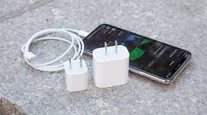 Những cách xử lý hiệu quả khi điện thoại sạc không vào pin - Fptshop.com.vn