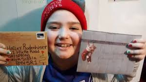 Mom Asks for Christmas Cards to 'Lift the Spirits' of 9-Year-Old ...