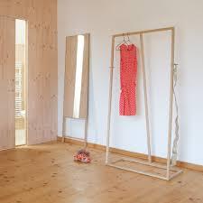 Kleiderständer Aus Holz Lain Design Funktionalität Tisch4youch