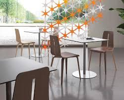 Tavolini moderni con piano in laminato per alberghi idfdesign