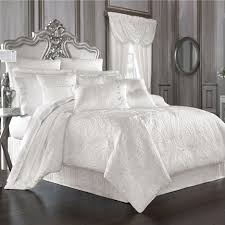 bedding black white bedspreads all white bedspread red black and white queen comforter set full bed comforter black and white double bedding