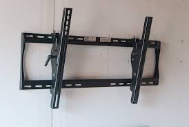 Tv wall mouns Slim Wirecutter The Best Tv Wall Mount Reviews By Wirecutter New York Times Company