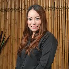 おもてなしキラリバンコクの飲食店で働く日本人女性スタッフ バンコク