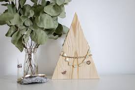 diy mountain necklace display themerrythought fossil