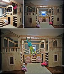 Space-saving triple bunkbeds ((My girls already have triple bunks but it  takes up half the room. This is an interesting setup.