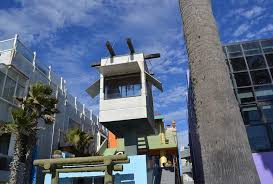 postmodern residential architecture. Modren Postmodern Frank Gehry  Venice Beach House One Of The Most Popular Postmodern  Buildings Icons In Postmodern Residential Architecture
