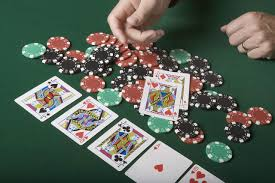 A Guide to Folding Correctly in Poker