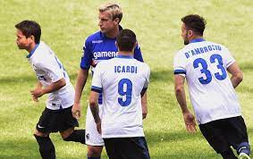 Clássico Wanda Nara': Icardi faz dois, Maxi perde pênalti, e Inter vence  Samp