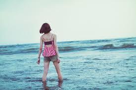 切ない夏の海無料の写真素材はフリー素材のぱくたそ