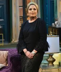"""قالت إنها """"ليست محجبة ولا محتشمة"""" والآن، الممثلة المصرية صابرين ترتدي  الحجاب وتؤدي مناسك العمرة"""