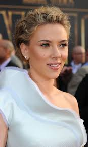 the iron man 2 world premiere was held in hollywood on april 28th and scarlett johansson looked beautiful