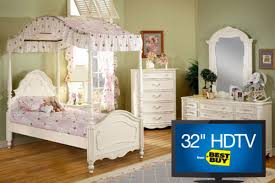 Michelle Twin Canopy Bed, Dresser with Mirror, Chest, Nightstand & 32