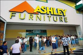 Oahu furniture store customers to refunds