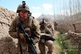 Us Army Platoon U S Army Platoon Moves In Behind Mud