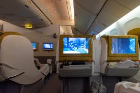 Emirates operates the world's largest fleet of boeing 777 aircraft. Trip Report Emirates Ek352 Business Class 777 300er Dxb To Sin Dubai To Singapore The Shutterwhale