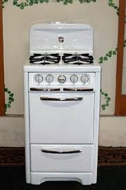 White Porcelain With Chrome Wedgewood Apartment Size Vintage Stove
