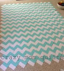 Chevron Quilt Pattern Mesmerizing Chevron Quilting Just Triangles I Need To Break Out The Sewing