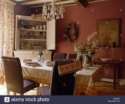 Grauen Gepolsterten Stühlen Am Tisch Mit Einer Creme