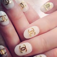 Make A Statement 5 Ways To Jazz Up Your Digits Chanello Chanel