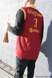 fast and easy harry potter costume diy quidditch robe tutorial