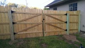wood fence gate. Can\u0027t Claim Credit For This Wood Fence Gate