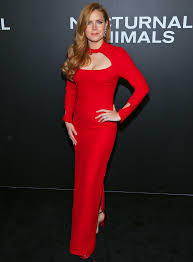 Can redheads wear red