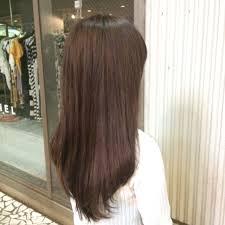 ロングストレートの髪型でお洒落を楽しみませんか大人女性のヘア